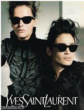 PUBLICITE ADVERTISING 105  2002  YVES SAINT LAURENT   collection lunettes solair