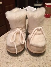 NWT Baby GAP Girls Faux Fur BOOTS--SIZE 2