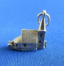 VINTAGE STERLING SILVER BRACELET CHARM CHURCH OPENING TO A COUPLE 2.8 g  NUVO