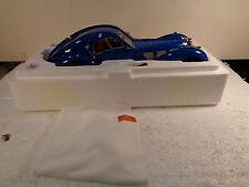CMC1:18 M-083 BLUE BUGATTI TYP 57 SC ATLANTIC 1938  COMPLETE NEW IN FACTORY BOX
