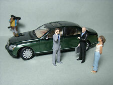 4  FIGURINES  1/43   SET 101   AGENTS  SECRETS  JAMES  BOND   VROOM   A  PEINDRE