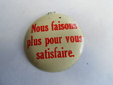 Cool Vintage Avis Car Rental French We Do More to Satisfy You Tab Top Pinback