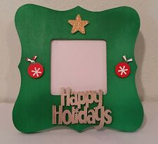 CHRISTMAS HOLIDAY HAND PAINTED & DECORATED 3.7X3.7 GREEN PICTURE FRAME CRAFT