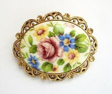 LOVELY VINTAGE OVAL CAMEO COLORFUL FLOWER DESIGN PIN W/FILIGREE EDGES