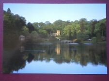 POSTCARD WILTSHIRE STOURHEAD GARDENS - ST PETERS CHURCH VIEWD ACROSS THE LAKE
