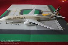 Phoenix Model Etihad Airways Boeing 777-300ER New Color Diecast Model 1:200