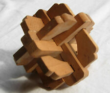 Wooden 3D puzzle - nice vintage puzzle in excellent condition - brain teaser