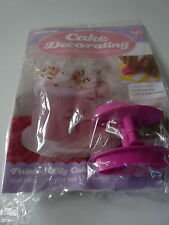 DeAGOSTINI CAKE DECORATING MAGAZINE  LILY PLUNGER CUTTERS   No 141  NEW