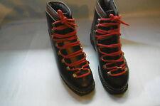 ancienne chaussure de ski vintage