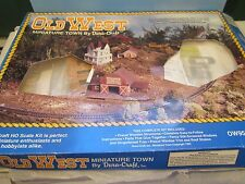HO dura craft Vintage Old  West Town Kit,wooden