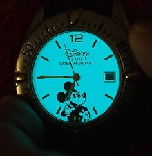 MICKEY MOUSE WATCH W/ DATE WINDOW & DISPLAY BLUE LIGHT W/BUTTON  VERY RARE  NICE
