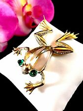 1943 CROWN TRIFARI VERMEIL STERLING LUCITE JELLY BELLY RHINESTONE FROG BROOCH