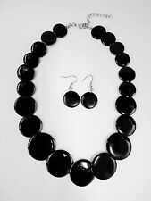 Fashion Trend Shimmy Black Shell Disc Necklace With Dangle Earrings Set
