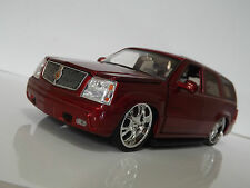 Jada Toys 1:24 Cadillac Escalade American Muscle SUV Modified car