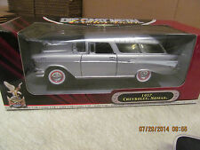Road Signature Yat Ming 1957 Chevrolet Nomad   Deluxe Edition 1:18  Silver