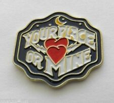 YOUR PLACE OR MINE? HEART HOOK UP NIGHT FUNNY LAPEL PIN BADGE 1 INCH