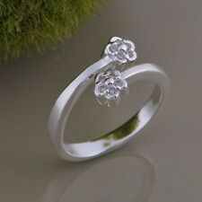 925 Sterling Silver Beautiful Adjustable Tiny Floral Crystal Wrap Ring / Thumb