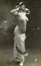 Photo ca.1910 Pin-up girl nus nude Akt nu Busen busty topless nackt nue Po butt