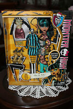 Monster High - Cleo de Nile i heard fashion  new 2013 new extremely rare sod out