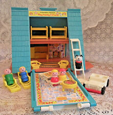 Vintage 1974 Fisher Price Little People Play Family A- Frame # 990 - COMPLETE