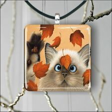 """CAT SIAMESE BREED PLAYING WITH AUTUMN LEAVES 1,3/8"""" GLASS PENDANT NECKLACE -nji4"""