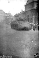 Libération de Paris Foule tank char militaire - Ancien négatif photo juin 1944