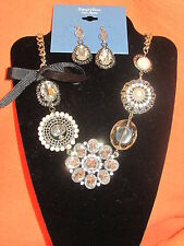 SIMPLY VERA WANG NWT $68  necklace and earrings women's set clear and pearls