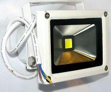 WHITE OUTDOOR WATERPROOF ULTRA-BRIGHT 10W LED FLOOD LIGHT, 800 LUMENS, 70W EQUIV