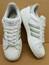 VINTAGE ADIDAS SUPERSTAR WHITE AND SILVER LOGO TRAINERS IN SIZE 5.5 UK RARE