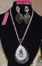 BETSEY JOHNSON GORGEOUS 2 PC SET AB PEAR CRYSTAL ON BASE NECKLACE & EARRINGS