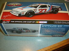 Cale Yarborough 1982 Lionel #27 Valvoline Buick Regal 1/24 FREE SHIP IN STOCK