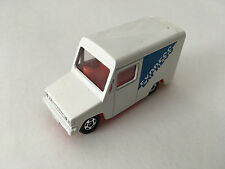 Tomica Tomy Japan Isuzu Hipac Van Express Delivery 1:70 Scale Diecast Model