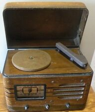 Vintage Westinghouse AM tube radio, phonograph Model WR-472 in working condition