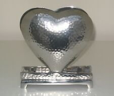 SILVER METAL HEART SHAPED NAPKIN / SERVIETTE HOLDER  DIMPLED DESIGN METAL STAND