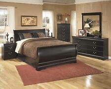 Ashley Huey Vineyard Traditional Style Black Finish 5 Pc Queen Bedroom Set