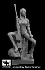 Black Dog F35160 1/35 Woman hunter cyborgs N°1 Resin Figure