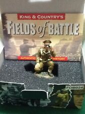 KING & COUNTRY FOB024 British Officer, kneeling, with binoculars