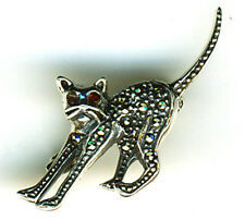 925 Sterling Silver Garnet & Marcasite Small Stretching Scaredy Cat Brooch / Pin