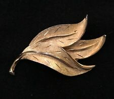 VINTAGE JEWELRY - 1940s Art Deco Scuplted Gold Plated Palm Fronds Brooch Pin