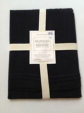 """Williams Sonoma Pleated Edge Linen Table Runner Color Black Size 16"""" X 108"""" NEW"""