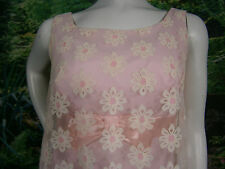 VINTAGE HAND MADE PINK DAISY FORMAL DRESS WEDDING GOWN 8 LINED FLOWS NICE USA