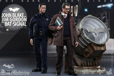 BATMAN John Blake and Jim Gordon with Bat-Signal Collectible Deluxe Set Hot Toys
