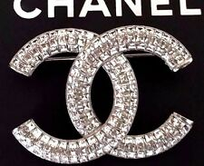 CHANEL LARGE CC LOGO CLEAR CRYSTALS PIN BROOCH Made In Italy 2016 NWB