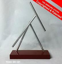 The nuestro querido sticks Red Edition-Iron Man kinetic energy desk Sculpture