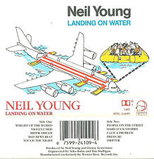 NEIL YOUNG LANDING ON WATER CASSETTE GEFFEN USA ISSUE FOLK COUNTRY ROCK M5G24109