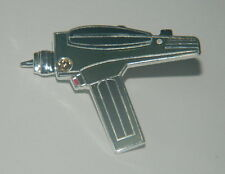 Star Trek Classic Original TV Series Hand Phaser Cloisonne Pin 1985 NEW UNUSED