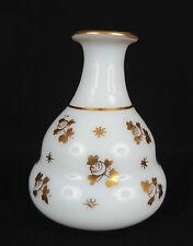 ancien petit flacon en opaline blanche décor de fleurs dorées 19ème french glass