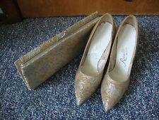 VINTAGE REVETTE CREATION SHOES PUMPS WITH MATCHING CLUTCH PURSE GOLD W/ SILVER