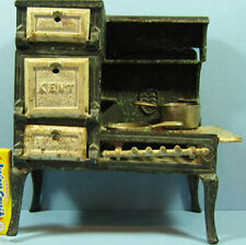 KENT ORIGINAL OLD CAST IRON TOY COOK STOVE & TWO MATCHING PANS T39