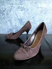 SALVATORE FERRAGAMO Plum Suede Bow High Heel Pumps Shoes 8.5 Made Italy